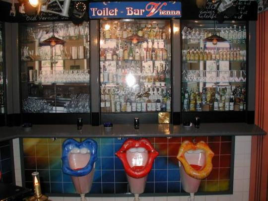 Toilet Bar, Austria